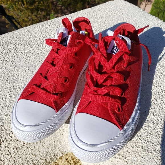 54b5207a48c1 Youth Size 1 Salsa Red Chuck Taylor All Star II OX